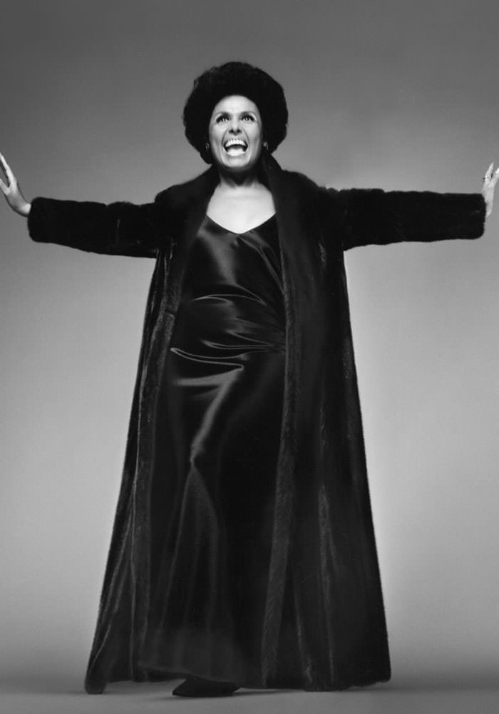 Lena Horne as the the spokesperson for the 1969 American Legend Blackglama Campaign