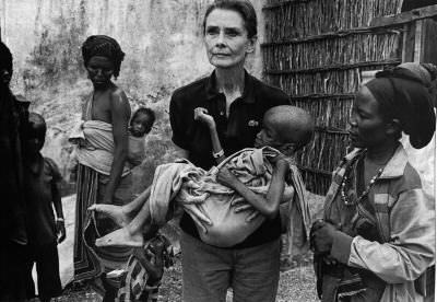 Audrey Hepburn worked tirelessly for UNICEF and gave her heart to the cause of helping the underprivileged...now that's true beauty