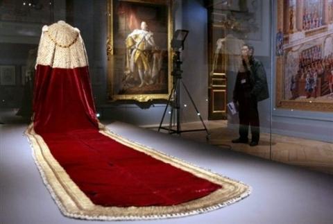 Coronation Robe of Georges III, made: 1760-1761