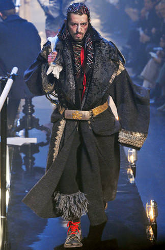 Galliano - Great Russian coat with astrakan and embroideries