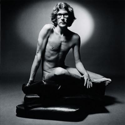 Yves Saint Laurent portrait (1971), photographed by Jean Loup Sieff