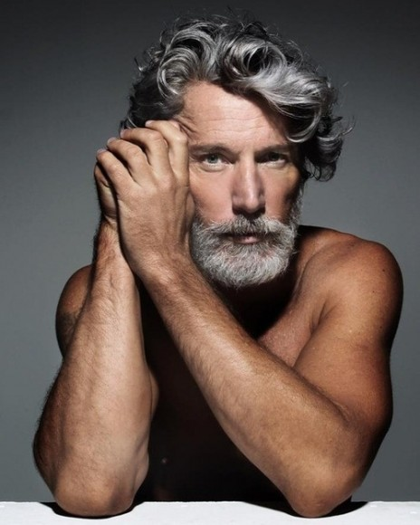 47 years old model Aiden Shaw flaunting his grey mame