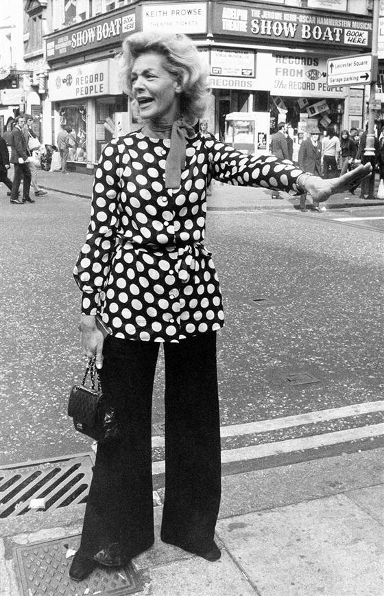 Street Style: Bacall stops traffic in London's Leicester Square in 1972 (AP)