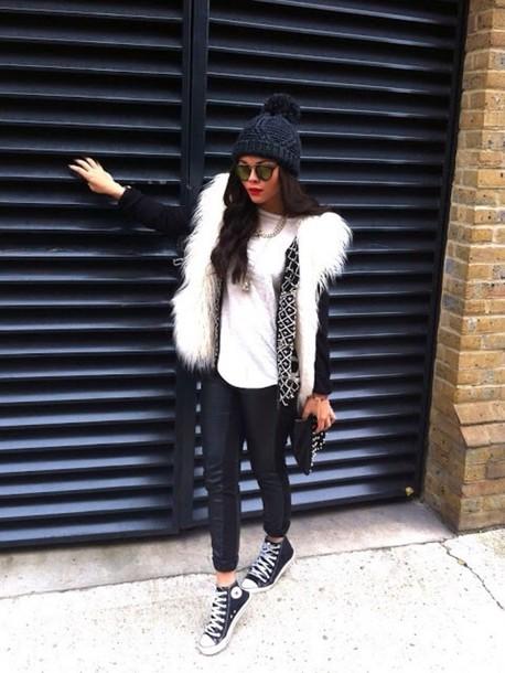 Vintage fur - longhair vest paired with skinny jeans/leggings