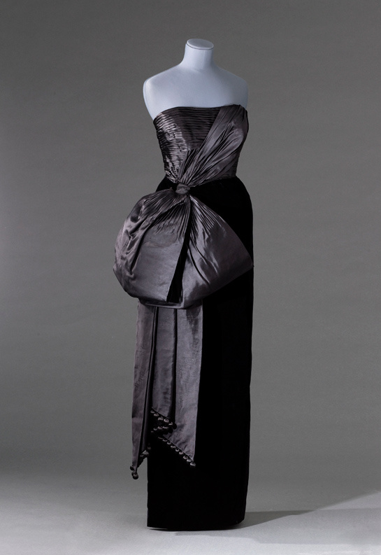 Coat dress by Jacques Fath - Les années 50 : La mode en France, 1947-1957