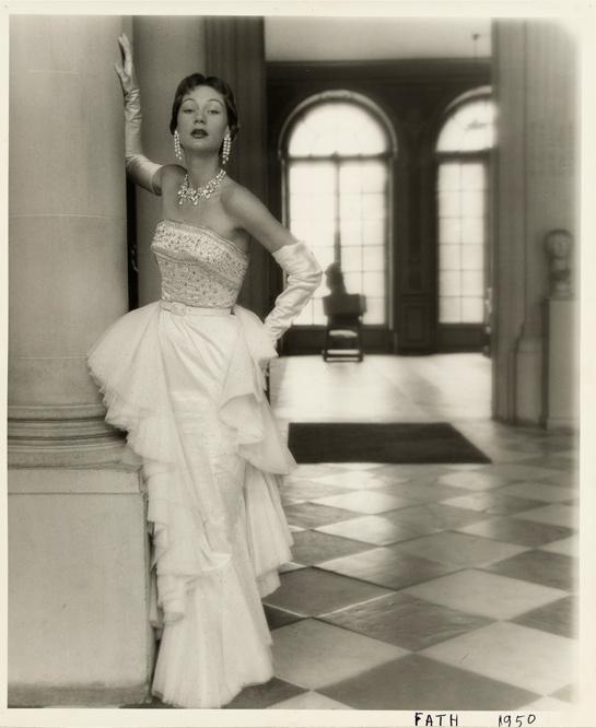 Jacque Fath Gown, 1950. Photograph by Henry Clarke - Les années 50 : La mode en France, 1947-1957
