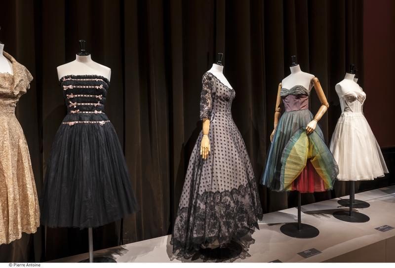 Gallery view - Lingerie - Les années 50 : La mode en France, 1947-1957