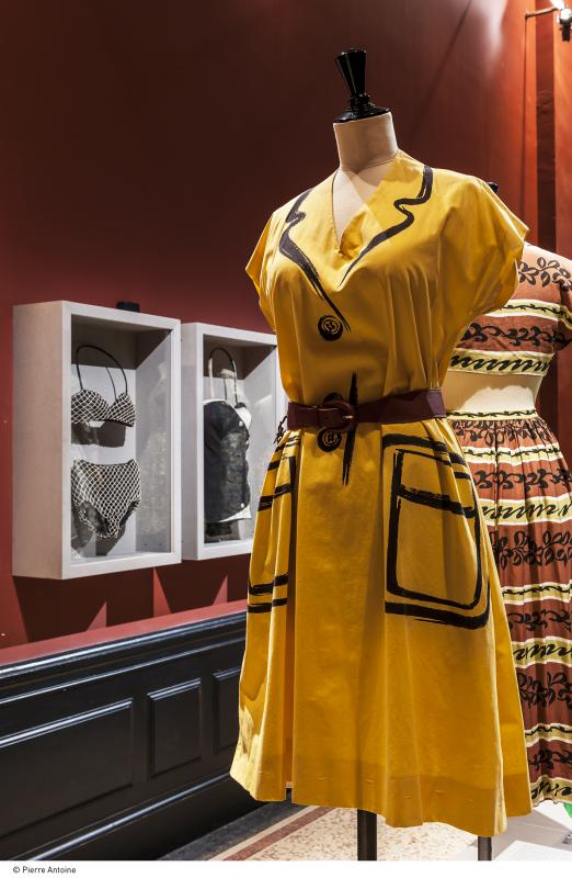 Gallery view - Summer dress, beach fashion and leisures - Les années 50 : La mode en France, 1947-1957