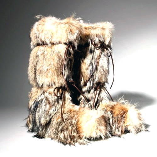 Coyote fur boots