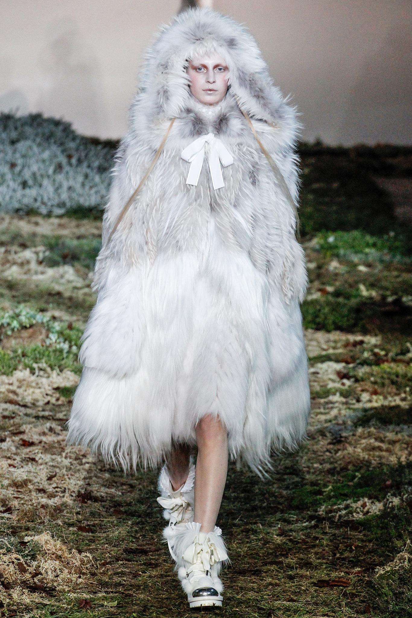 Alexander McQueen Fall 2014 - Winter 2015