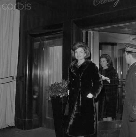 Jackie Kennedy with Sister Lee Radziwil leave the Hotel Carlyle for a dinner appointment here February 4th, 1963 © Bettmann/CORBIS