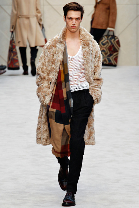 Burberry Porsum - Fall 2014-Winter 2015