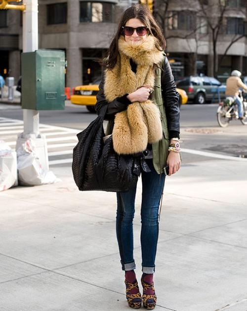 Street Style - cozy fox scarf