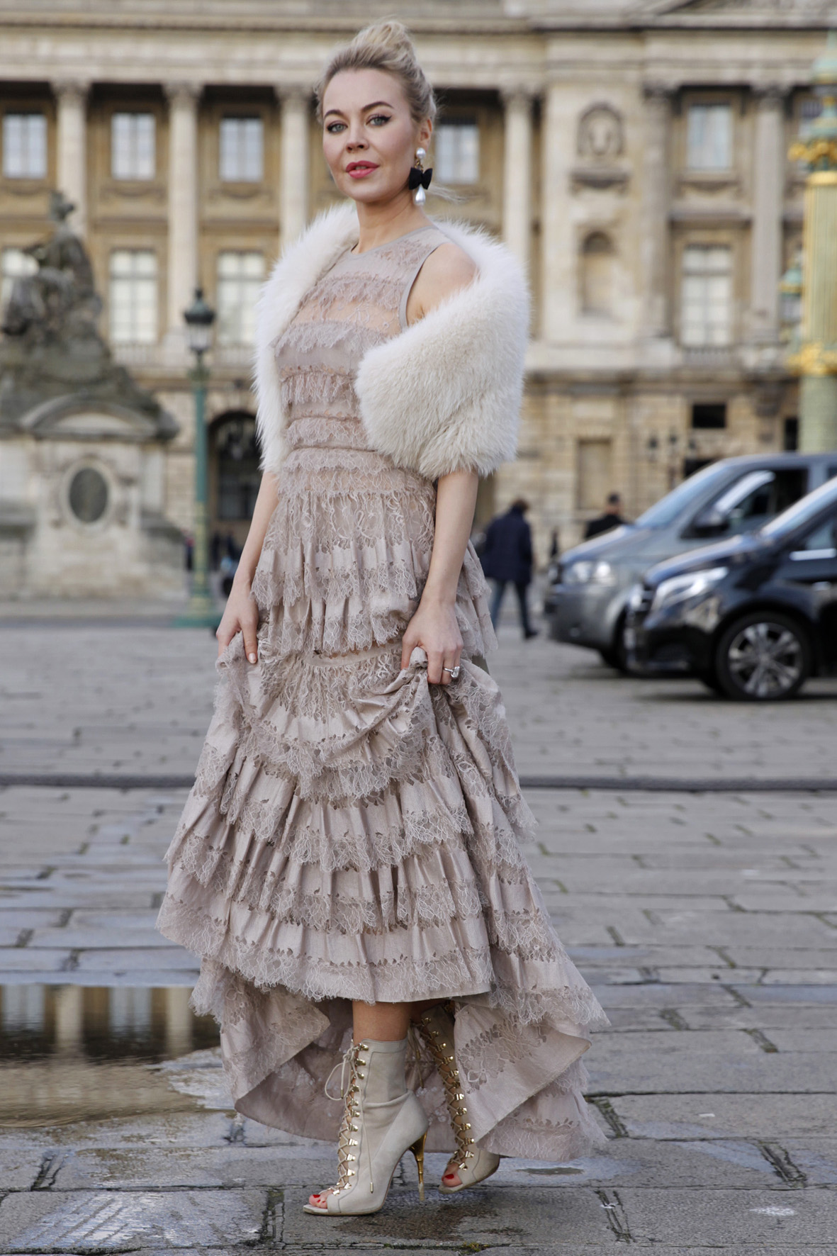 Street style - Paris RTW fall winter 2016 - March 2016