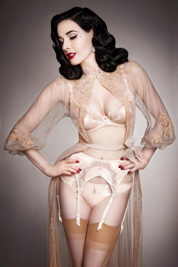 Dita Von Teese models Star Lift lingerie line - Photos - Dita Von Teese models sexy lingerie collections