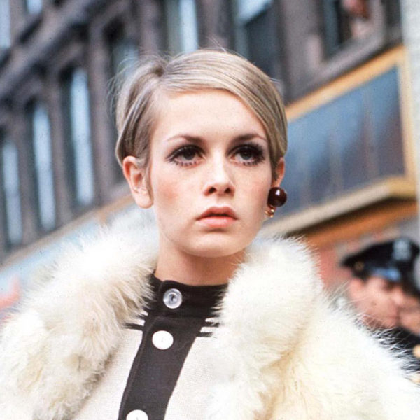 Twiggy-60s-Fashion-thumb