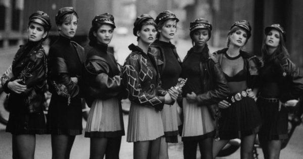 Left to Right: Cindy Crawford, Tatjana Patitz, Linda Evangelista, Claudia Schiffer, Naomi Campbell, Karen Mulder und Stephanie Seymour.