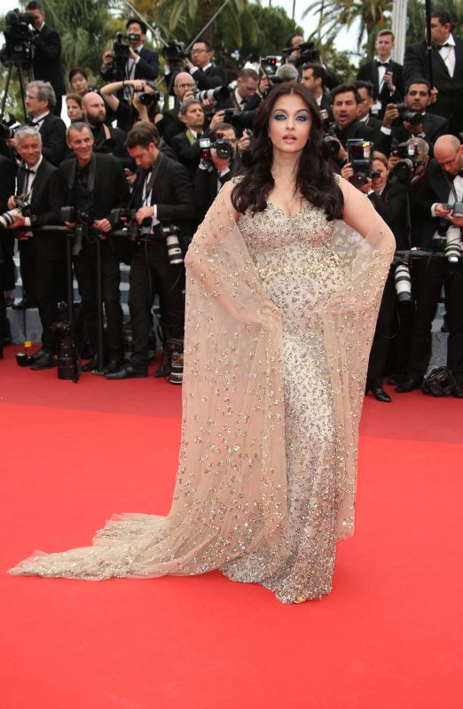 Aishwarya Rai Bachchan at the red carpet of Cannes film festival