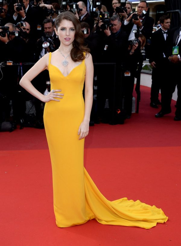 Anna Kendrick looked like a delectable spicey mustard in her Stella McCartney gown