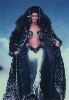 Iman walking the runway for Thierry Mugler
