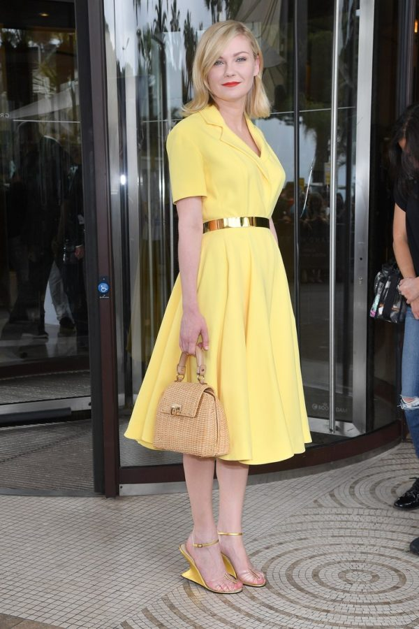 Looking like a polished 60s housewife out for a luncheon, in a good way, Kirsten Dunst totally sold us on this look again