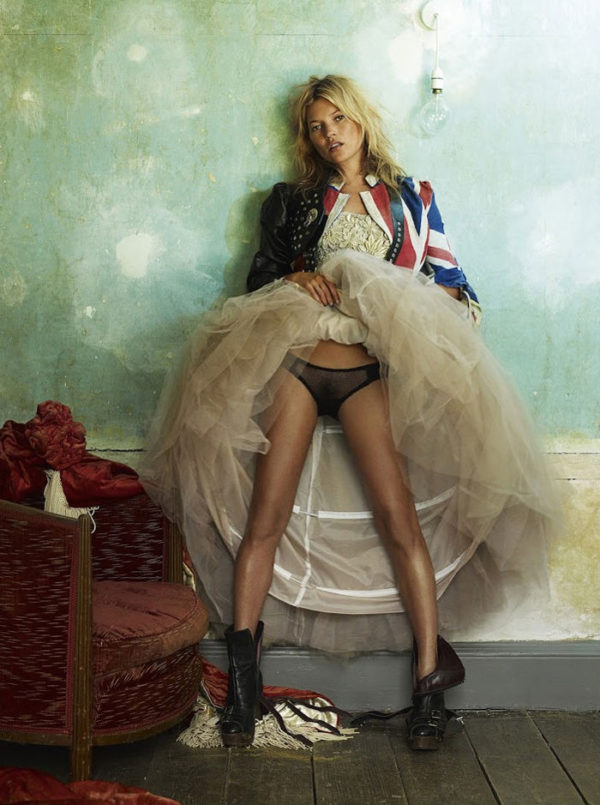 Snapshots from fashion photographer Mario Testino of Kate Moss featured in the NO Limits exhibt