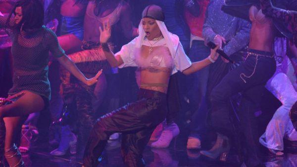 Rihanna performs again