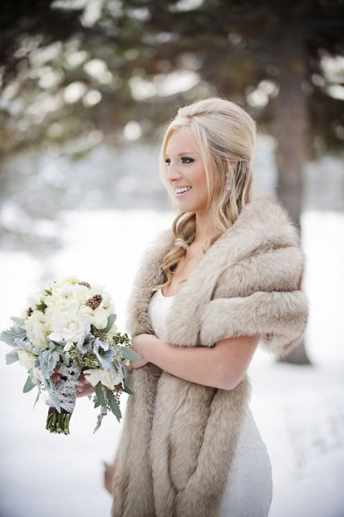 33-cool-ideas-to-use-fur-for-your-wedding-weddingomania-722-int