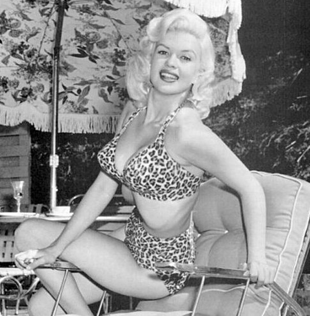 Jayne Mansfield was anothr sex symbol of the 50s that everyone loved to emulate