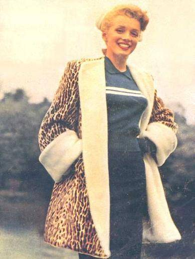 Marilyn Monroe in a leopard print coat