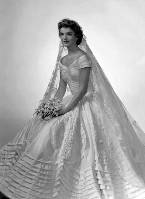 Jacqueline Bouvier's official wedding day portrait