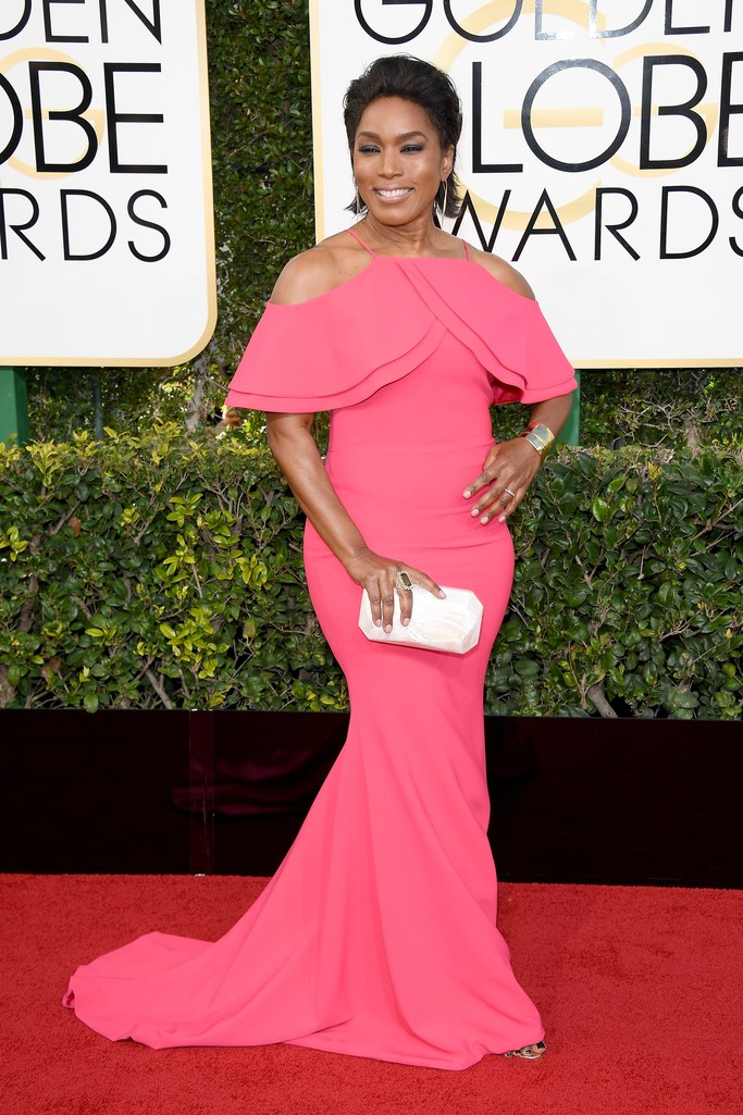 Angela Bassett at the 2017 Golden Globes
