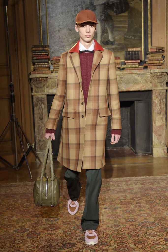 Valentino Menswear Fall 2017 Collection