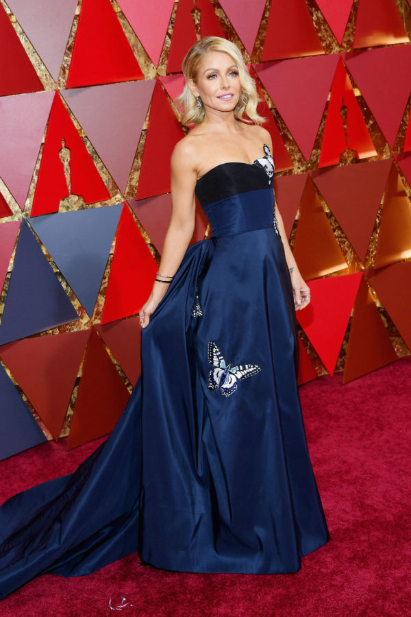 Oscars 2017 Trends- Kelly Ripa in Carolina Herrera