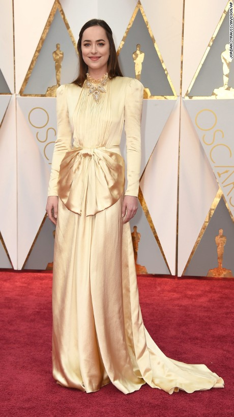 OSCARS Trends - Dakota Johnson in Gucci