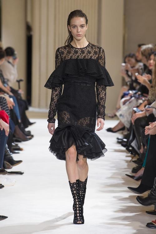 Giambattista Valli PARIS Fashion Week Fall 2017