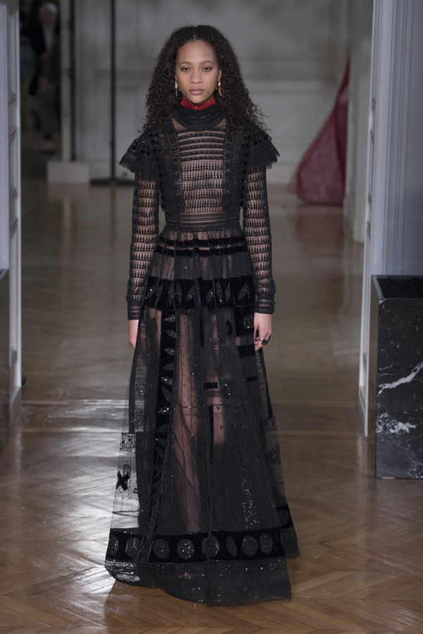 Valentino PARIS Fashion Week Fall 2017