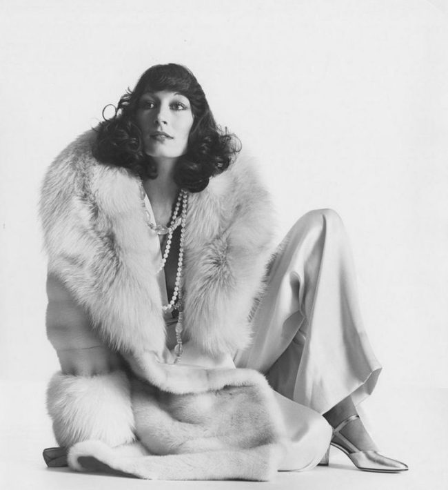 Irving Penn Photography|Anjelica Huston