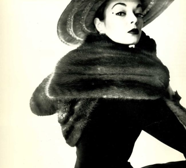Iconic image of Lisa Fonssagrives which was featured in Vogue