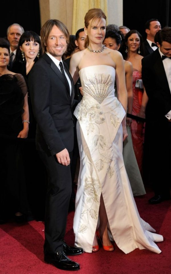 Nicole Kidman at the 2011 Academy Awards wearing a dress designed by Hedi Slimane
