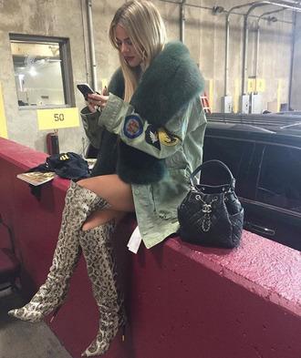 Khloe Kardashian is one of the leading fashion influencers