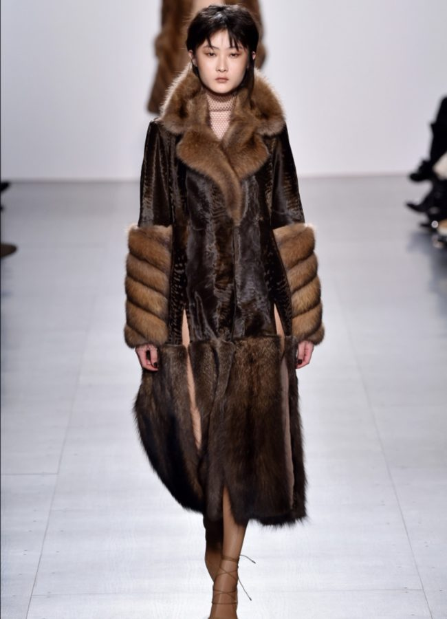 Real fur vs. faux fur Dennis Basso RTW Fall 2017