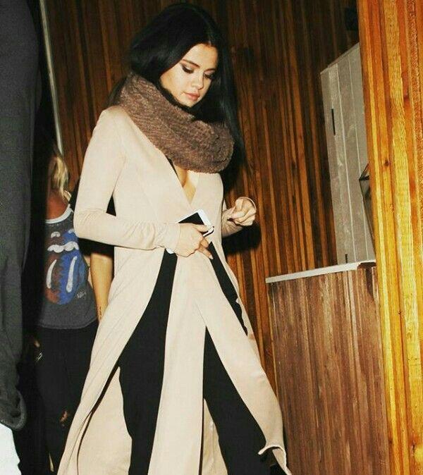Selena Gomez streetstyle