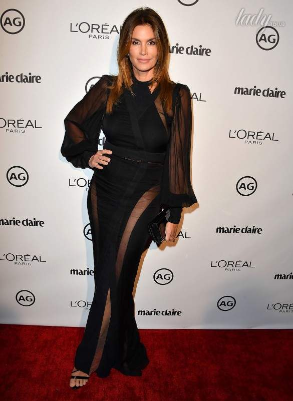 Cindy Crawford on the red carpet at Marie Claire's Image Maker Awards 2017. age appropriate style