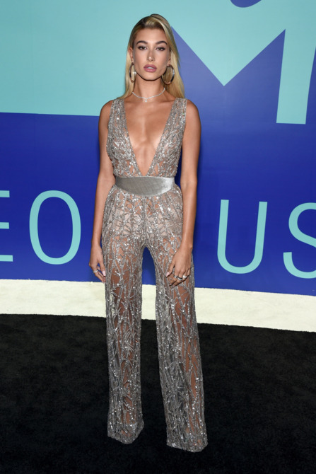 Hailey Baldwin2017 Video music Awards