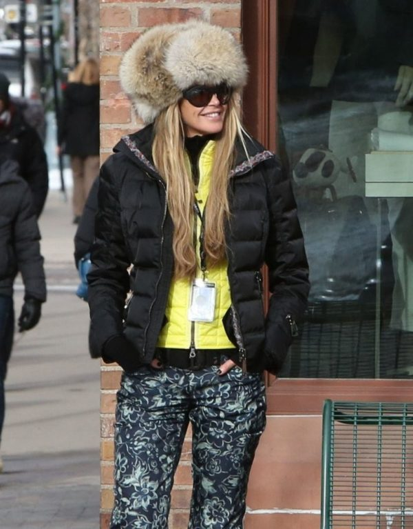 Elle Macpherson Winter Style steps out in Aspen December 2014 age appropriate style