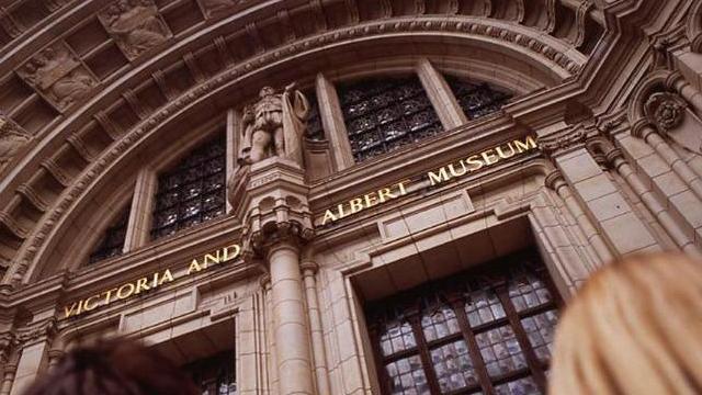 Victoria & Albert Museum Balenciaga exhibit