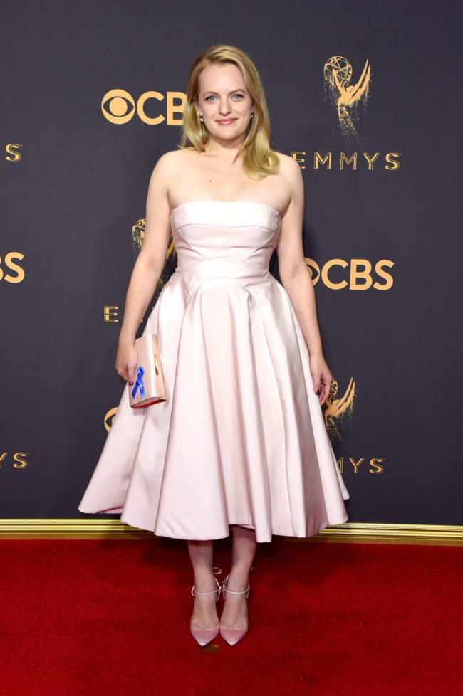Elizabeth Moss at the 2017 Emmy Awards