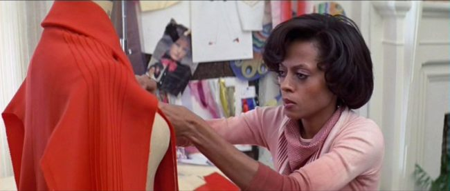 Diana Ross played the lead role of Tracy, a struggling aspiring designer from Chicago whose ambition leads her to Rome where she ultimately has to choose between her successful career and love