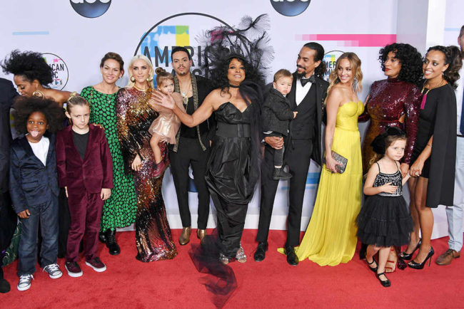 Diana Ross and family on the red carpet at the 2017 American Music Awards